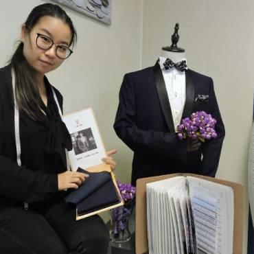 Une jeune Chinoise, installée à Clermont, prépare un défilé de costumes sur mesure en mai 2018