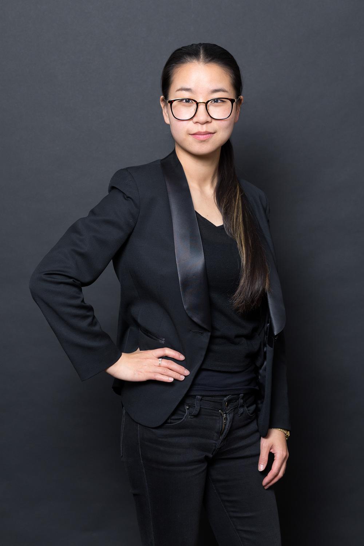 Fei ZHAO organise un défilé de mode pour ses costumes sur mesure